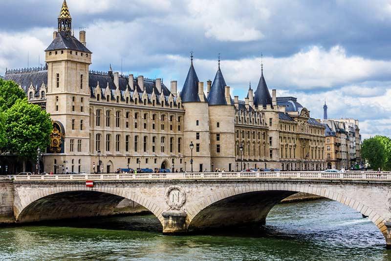 قلعه کونسیرژری در پاریس