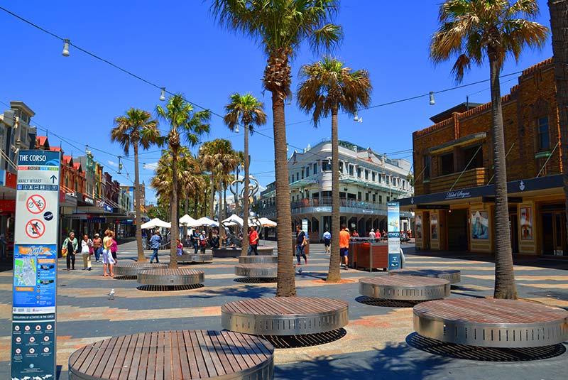 خیابان کورسو - ساحل منلی سیدنی