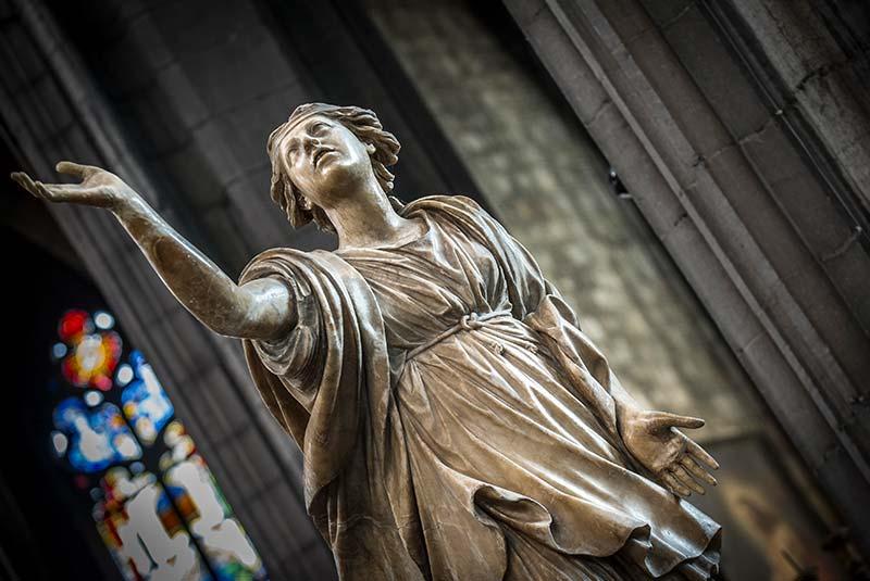 کلیسای سنت والترود مونس بلژیک