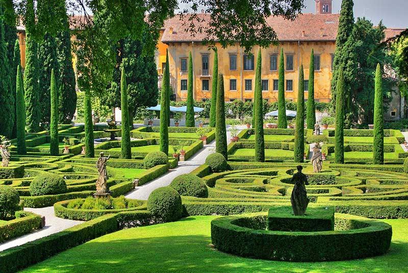 باغ و کاخ جوستی در ورونا