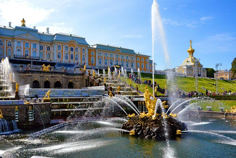 کاخ پترهوف در سن پترزبورگ
