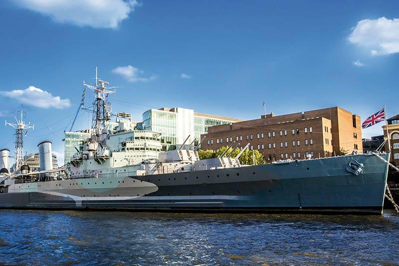 کشتی جنگی اچ ام اس بلفاست در لندن