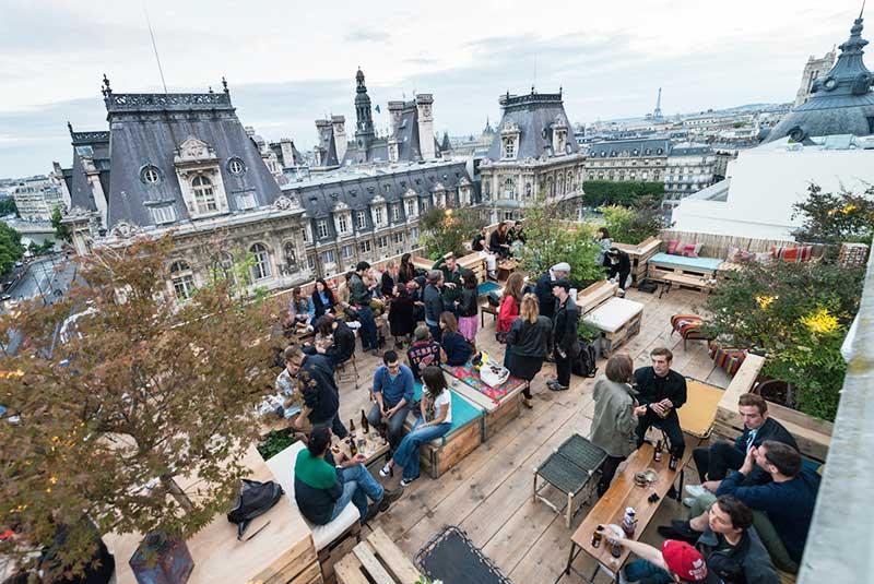 رستوران بار لو پرشوار در پاریس