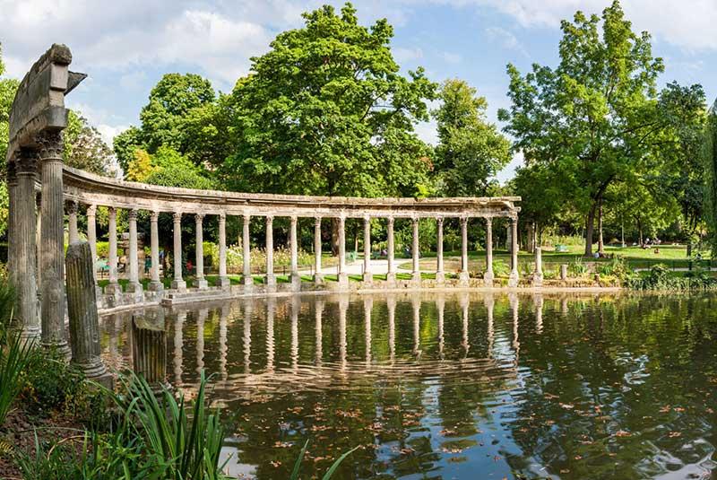پارک مونسو در پاریس