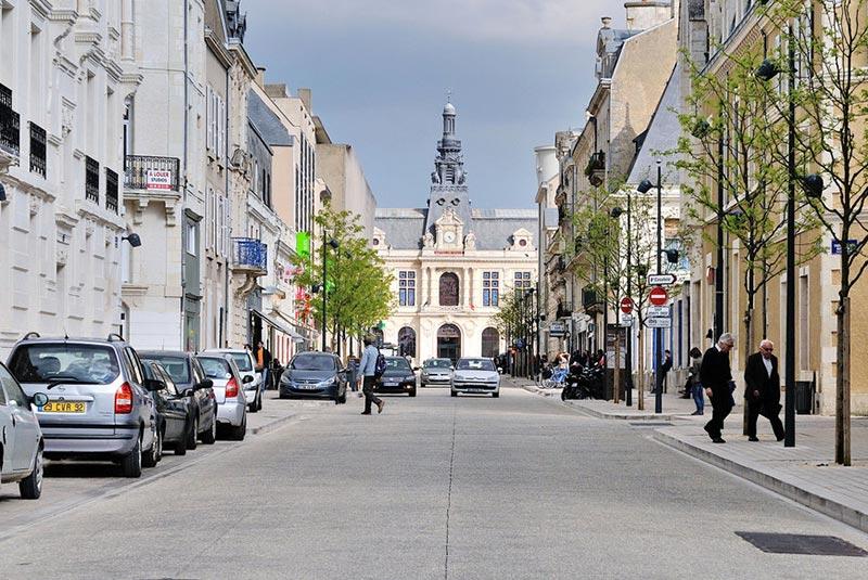 خیابان ویکتور هوگو پاریس