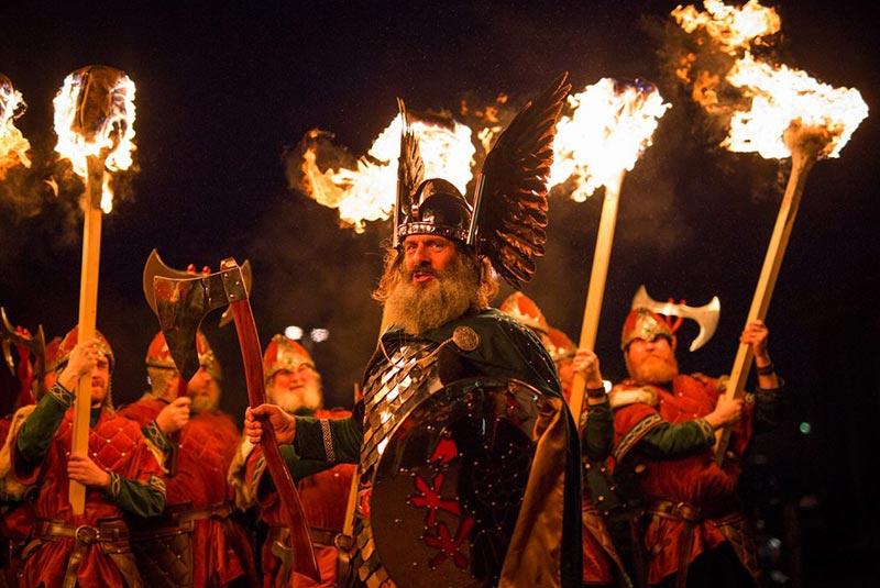 فستیوال آتش آپ هلی آ در اسکاتلند