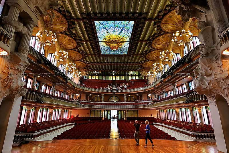 قصر موسیقی کاتالان در بارسلون