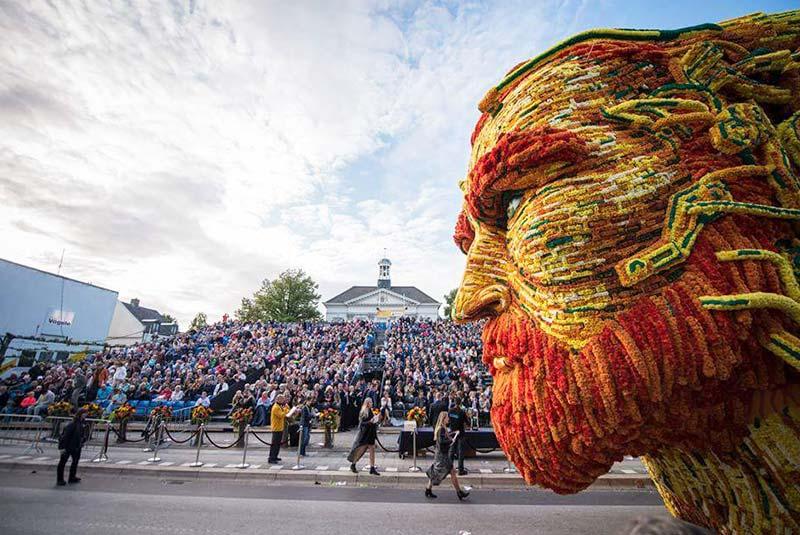 رژه گل هلند