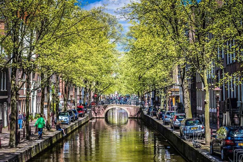 آمستردام در بهار