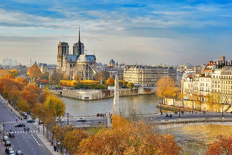 پاریس در پاییز - نوتردام