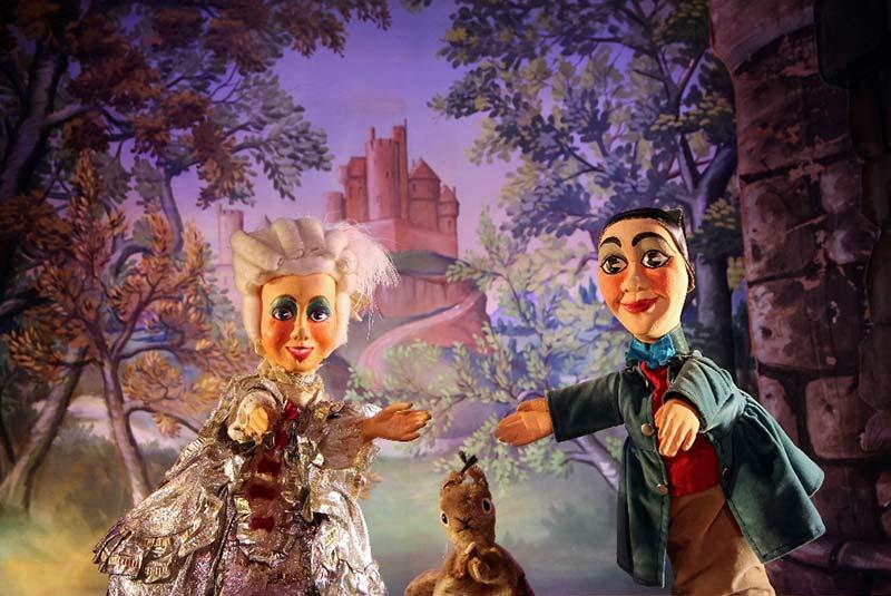 نمایش عروسکی در پاریس