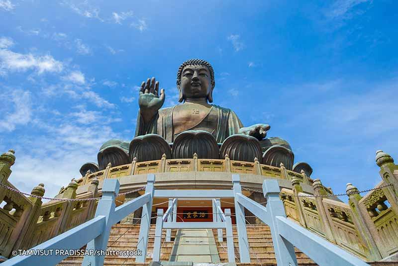 مجسمه بودای بزرگ در هنگ کنگ