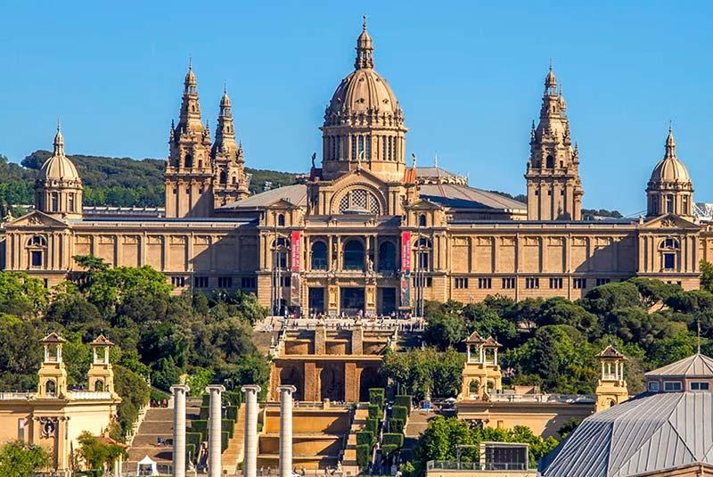 موزه ملی هنر کاتالونیا در بارسلون