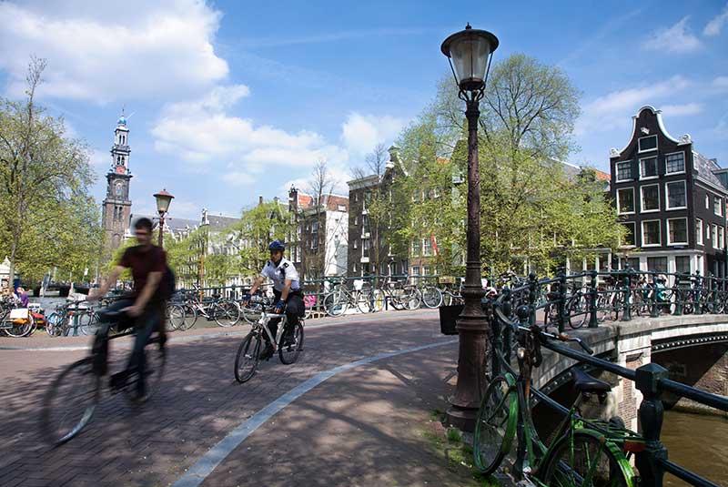 دوچرخه در آمستردام