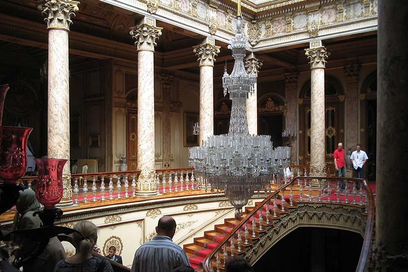 کاخ دلماباغچه در استانبول
