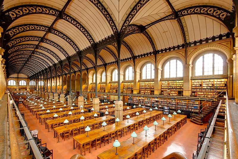 کتابخانه سنت ژنویو در پاریس