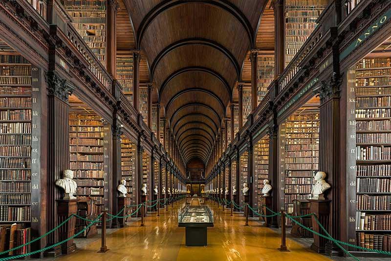 کتابخانه کالج ترینیتی در دوبلین