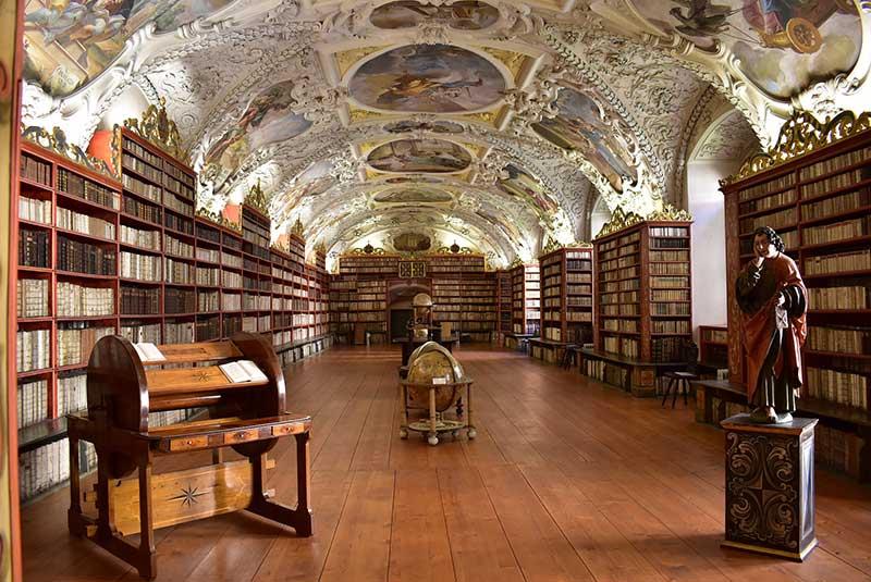 کتابخانه کلمنتینوم پراگ