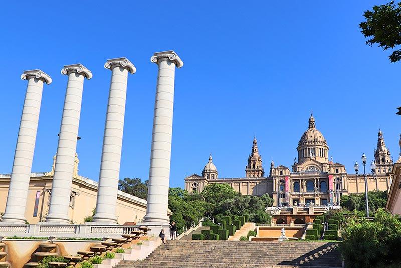 کاخ ملی کاتالونیا در بارسلونا