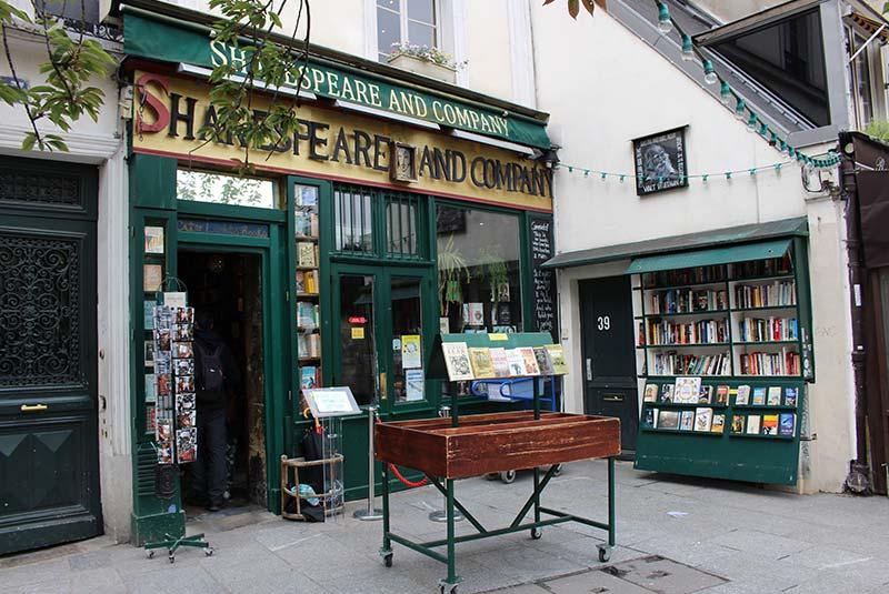 کتابفروشی مشهور شکسپیر و شرکا