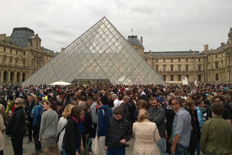 کارهایی که نباید در پاریس انجام دهیم