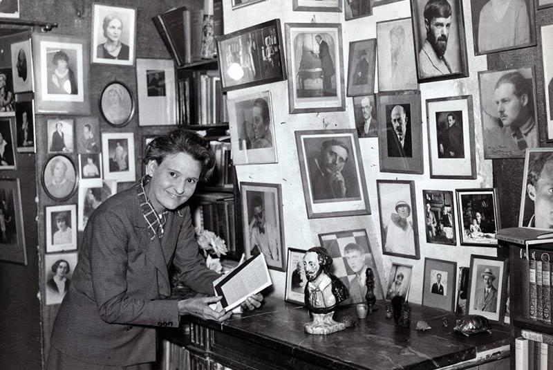 کتابفروشی شکسپیر و شرکا، سیلویا بیچ