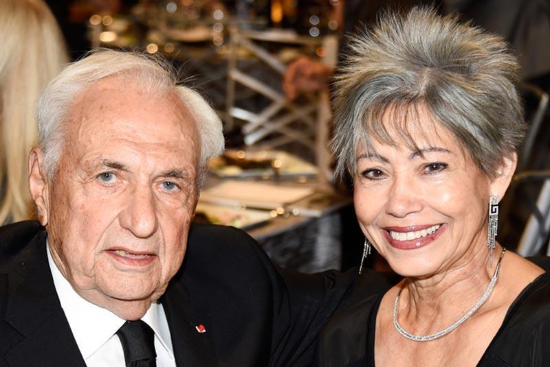 فرانک گری و همسرش