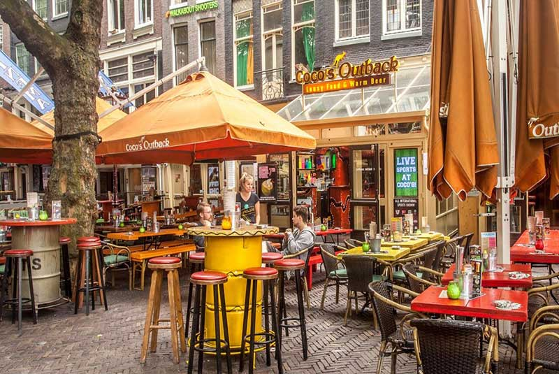 سفر انفرادی به آمستردام، کافه کوکوز اوت بک