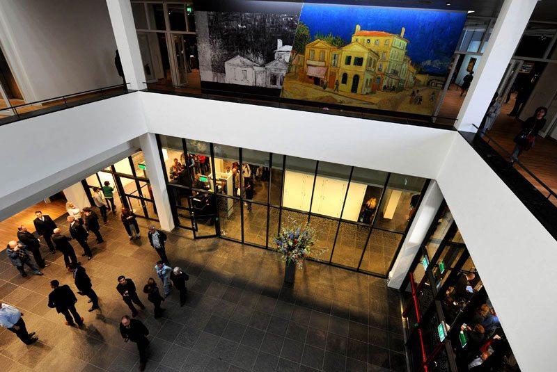 موزه ونگوگ درآمستردام