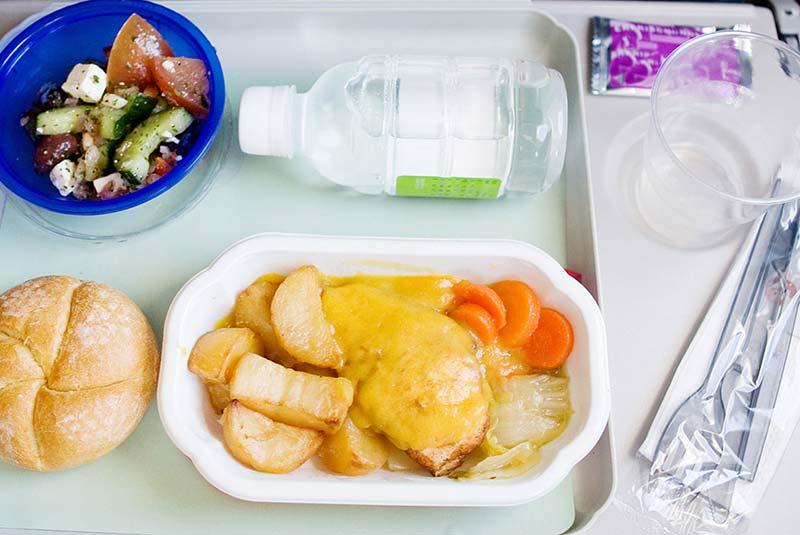 غذای فرودگاه و داخل هواپیما