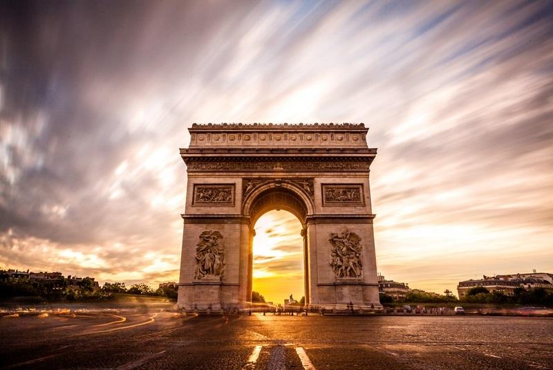 طاق پیروزی - پاریس