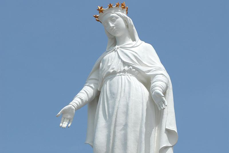 مجسمه بانوی ما - حریصا