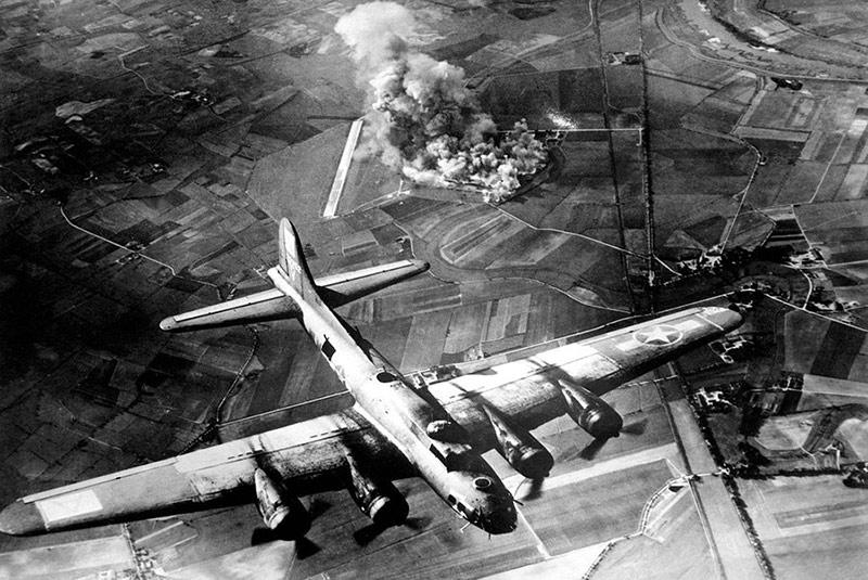 هواپیمای بمب افکن در جنگ جهانی دوم