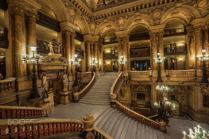 تصویر داخل کاخ گارنیه