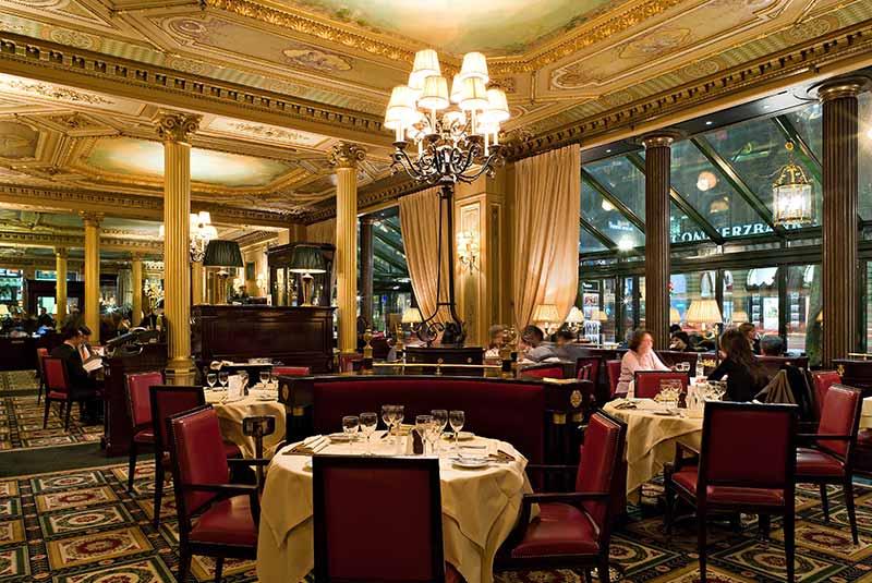 کافه دو لاپه پاریس