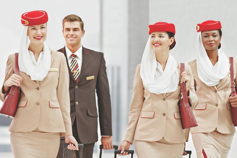 لباس خلبانان و مهمانداران امارات