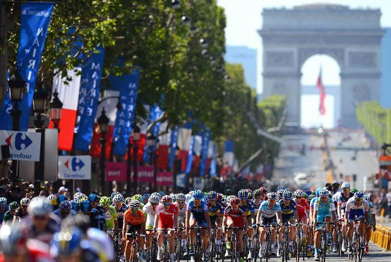 پاریس در جولای