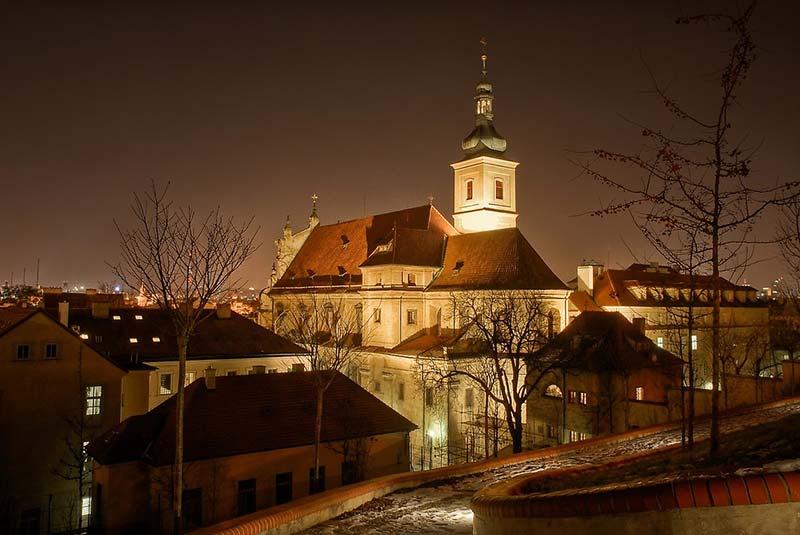 کلیساهای پراگ