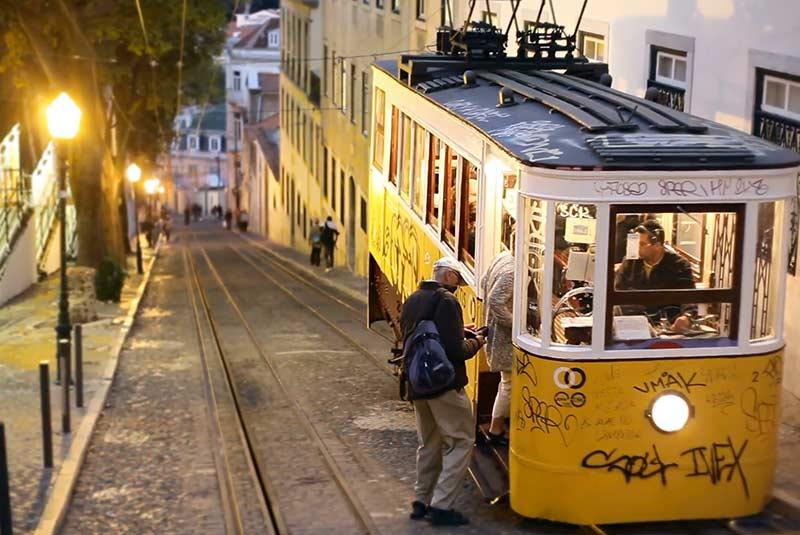 سفر با تراموا در پرتغال