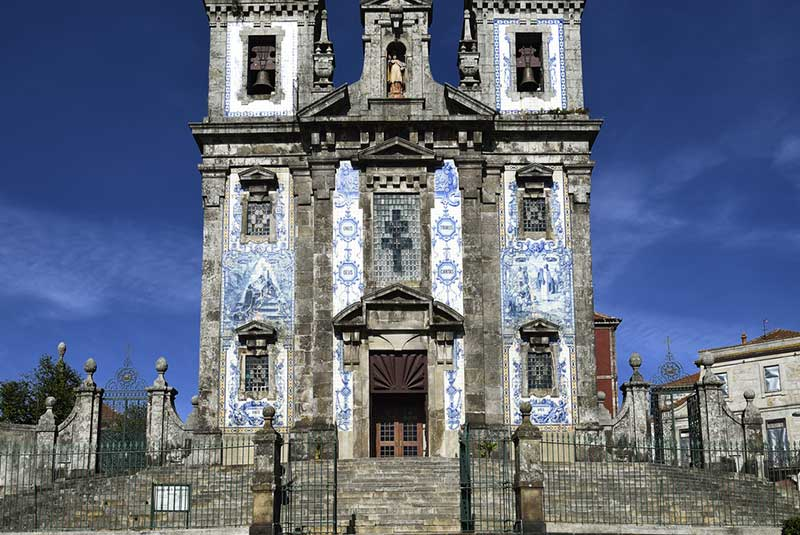 کلیسای سانتا کلارا