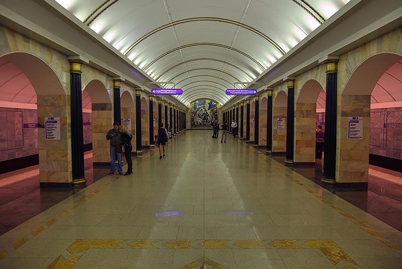 آدمیرالتیسکایا مترو