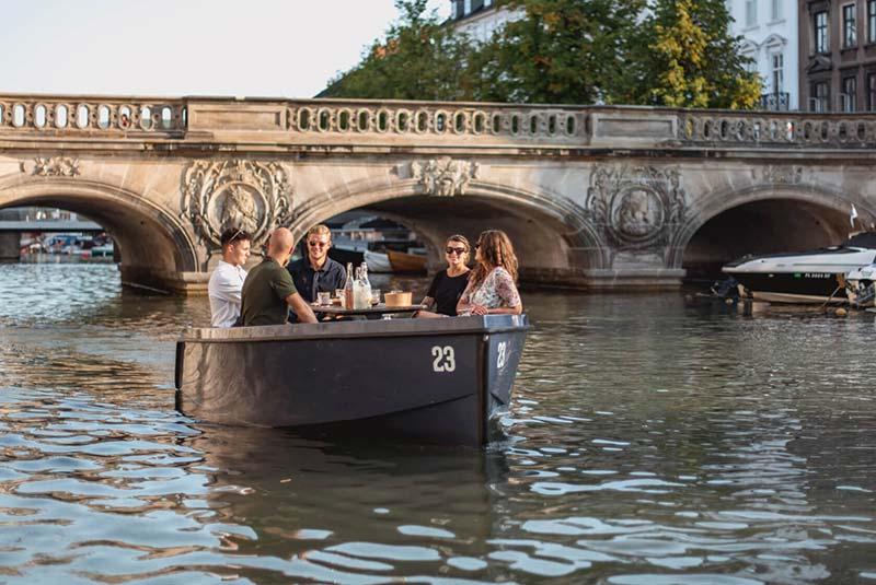 پیکنیک روی قایق کپنهاگ