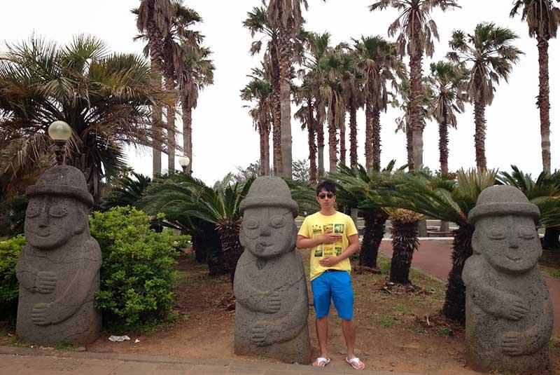 مجسمه های سنگی جیجو