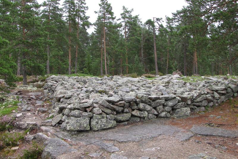 محوطه باستانی تدفین عصر مفرق سامالادماکی
