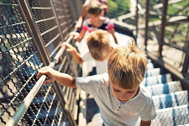 بالا رفتن از برج ایفل
