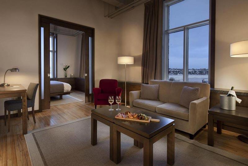 هتل ۷۱ کبک