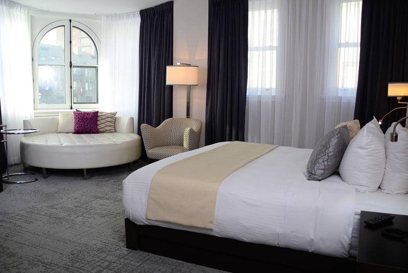 هتل ۱۰ مونترال