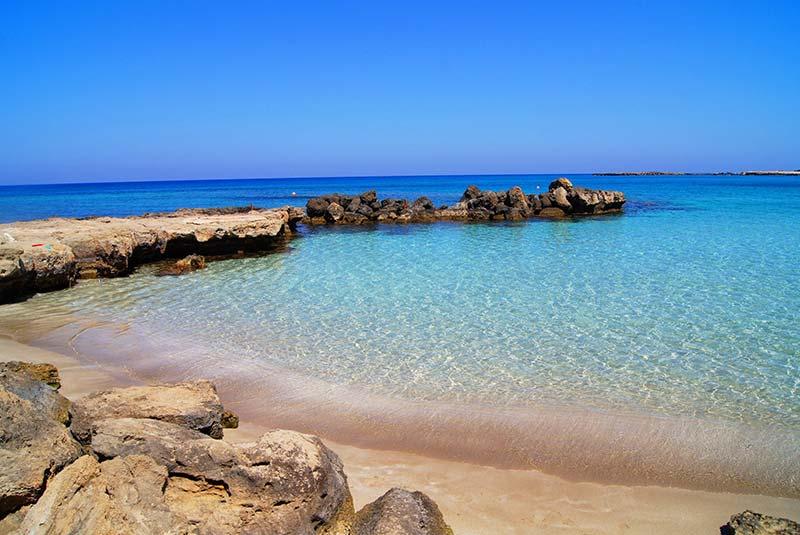خلیج لارا قبرس