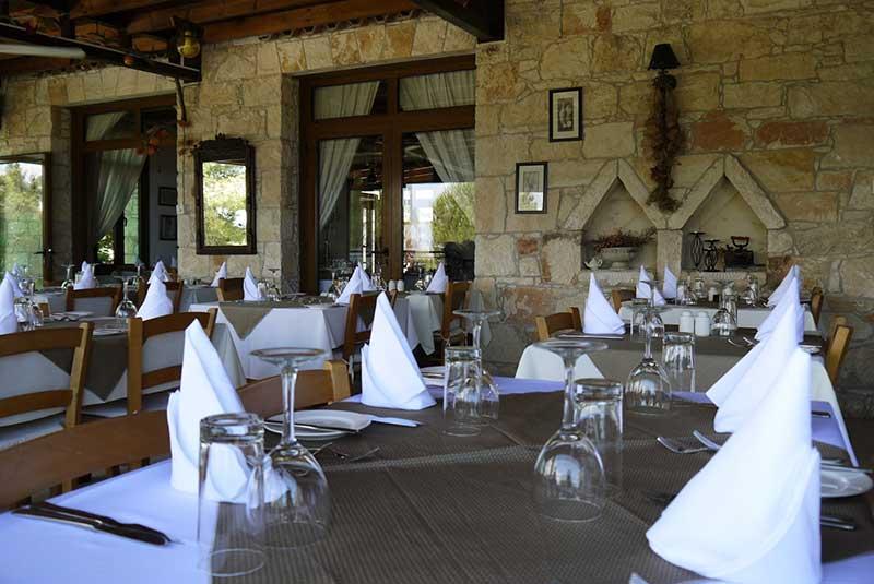 ناهار در کاتیکاس قبرس