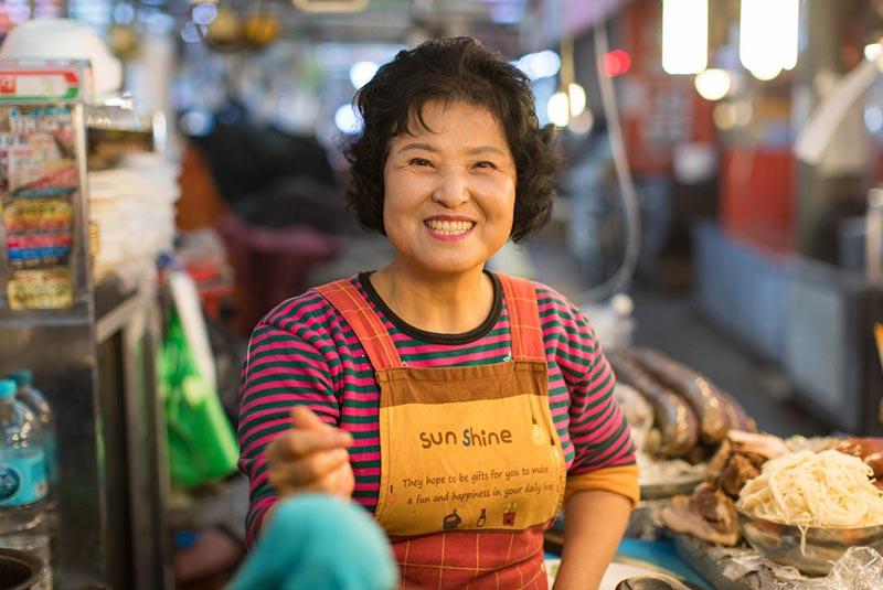 بازار خیابانی گوانگ جانگ
